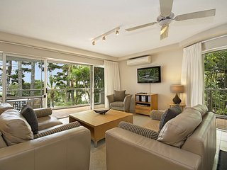 Sunny Apartment with Deck and Hot Tub - Noosaville vacation rentals