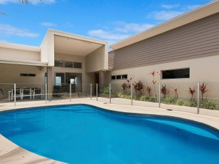 Sescape on Sunrise | Ocean Views | 4 Bed House - Sunrise Beach vacation rentals