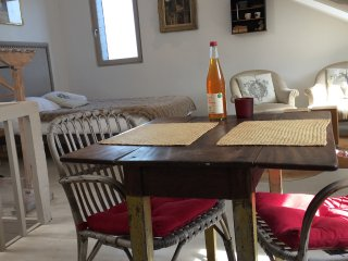 Sainte Catherine Studio-Main center-Historic place - Honfleur vacation rentals