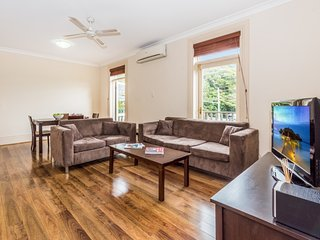 Bright 2 bedroom Villa in Randwick - Randwick vacation rentals