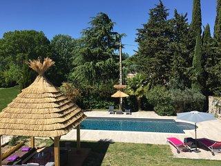 Grande villa contemporaine, 6 chambres, au calme en campagne, avec piscine privée - Sauzet vacation rentals