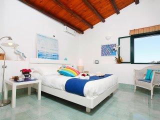 Azzurra a due passi dal mare, ideale per 4 persone - Alcamo vacation rentals
