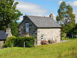 "The Granary - ""A dear little cottage in the hills above Conwy valley!"" - Conwy vacation rentals"