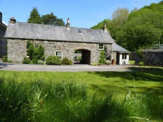 "Caretaker's Cottage - ""A stylish former coach house in Snowdonia!"" - Llanrwst vacation rentals"