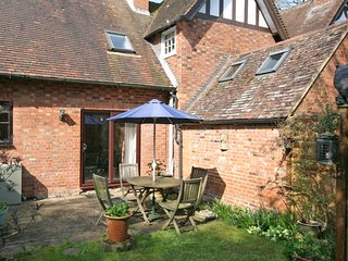 Horseshoe Cottage is a barn conversion in the quiet village of Mentmore - Mentmore vacation rentals