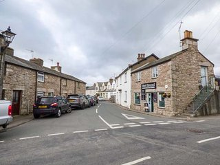 THE SNUG, one bedroom terraced cottage, enclosed patio, open fire, in Cartmel - Cartmel vacation rentals
