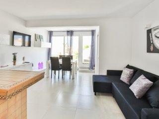 Beautiful Condo with Internet Access and A/C - Port d'es Torrent vacation rentals