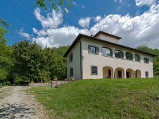 Corinna - Ideal for Couples and Families, Beautiful Pool and Beach - Rignano sull'Arno vacation rentals
