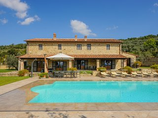 Cortona - Ideal for Couples and Families, Beautiful Pool and Beach - Tuoro sul Trasimeno vacation rentals