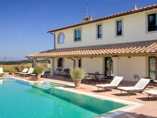 Isabella - Ideal for Couples and Families, Beautiful Pool and Beach - Montaione vacation rentals