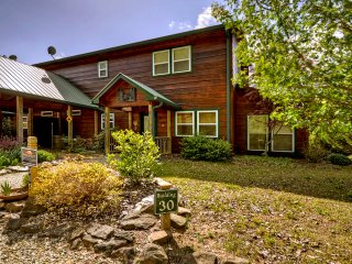 The Bear's Den, Luxurious Cabin/Condo is just a short walk to the Toccoa River - Suches vacation rentals