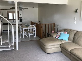 Sea Isle City~~3BR~2 Bath~3 Floor Townhome with garage~1.5 Block from beach - Sea Isle City vacation rentals