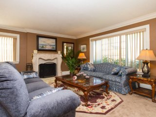 1 bedroom Private room with Internet Access in Fountain Valley - Fountain Valley vacation rentals