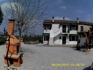 Appartamento in campagna relax!! - San Bellino vacation rentals