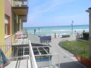 Trabocchi Coast_Sea side Apartment - Fossacesia Marina vacation rentals