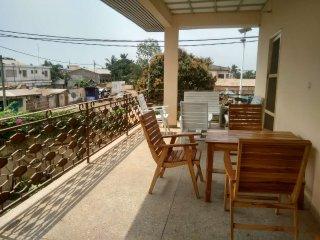 Centre Lomé Nyékonakpoé - Maison Ahoefa / Bel appartement avec grand balcon - Lome vacation rentals