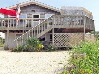 FULL SEASON Beach block, king bed, 5 houses from beach, 30th St Barnegat Light - Barnegat Light vacation rentals