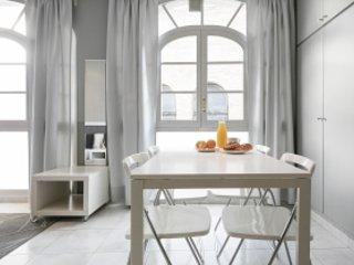 Passeig de Gracia Studio Superior - Barcelona vacation rentals