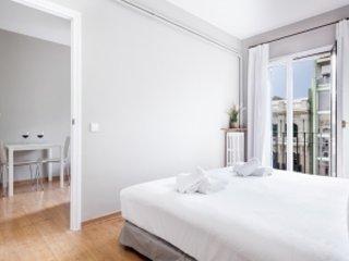 Rambla Catalunya with Balcony - Barcelona vacation rentals