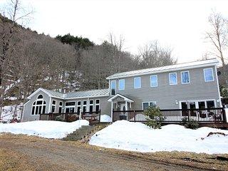 Comfortable 4 bedroom House in Bridgewater - Bridgewater vacation rentals
