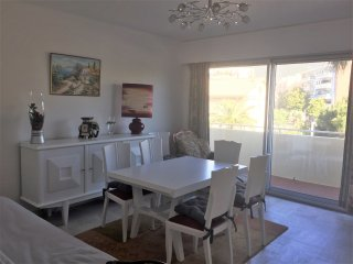 Lovely apartment with beach at 400m - Cavalaire-Sur-Mer vacation rentals