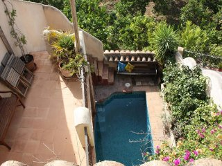 Traditional village house with pool, patio, wifi and terraces - Saleres vacation rentals