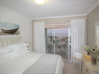 Amazing sea-views and direct access to beach - Summerstrand vacation rentals