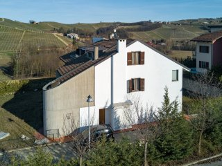 Nice House with Internet Access and Wireless Internet - Castiglione Falletto vacation rentals