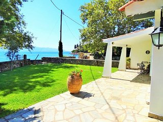 3 bedroom House with Internet Access in Nafpaktos - Nafpaktos vacation rentals