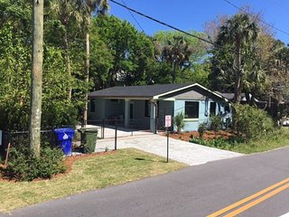 Charming House with Internet Access and A/C - Folly Beach vacation rentals