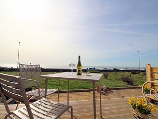 'Pebbles' Beachhouse. Your sanctuary by the Sea. - Seaford vacation rentals