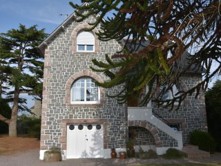 4 bedroom House with Internet Access in Plerin - Plerin vacation rentals