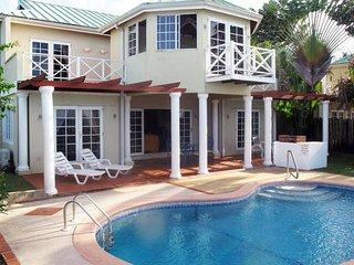 Gorgeous 5 bedroom Villa in Black Rock - Black Rock vacation rentals
