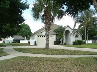 Orange Tree 6/4 pool home property, fully furnished, with full kitchen, and all linens and towels - Clermont vacation rentals