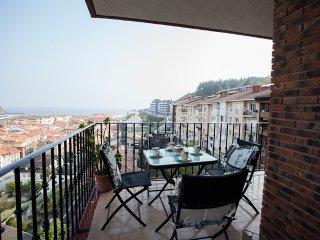 Comfortable 3 bedroom House in Deba with Television - Deba vacation rentals