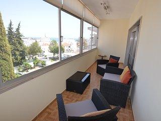 Apartamento Remodelado com Vista Mar no Centro de Albufeira, 5m a pé da praia - Albufeira vacation rentals