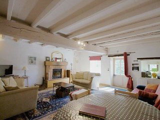 2 bedroom Gite with Internet Access in L'Absie - L'Absie vacation rentals