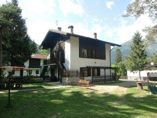 Appartamento Pippi 4B a piano terra con giardino privato - Ledro vacation rentals