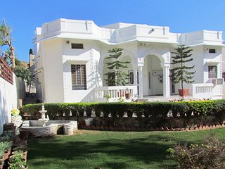 Cozy Bungalow with A/C and Satellite Or Cable TV - Ajmer vacation rentals