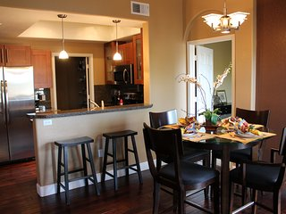 Gorgeous Luxury Condo with Pool, BBQ, Golf, Hiking & Breathtaking Views! - Flagstaff vacation rentals