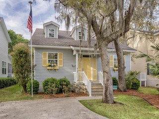 Dog-friendly home w/ enclosed yard - close to parks, shopping, & beaches! - Saint Simons Island vacation rentals