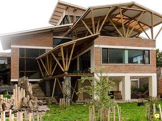 Casa Bambú - private apartment near airport and city - Tumbaco vacation rentals