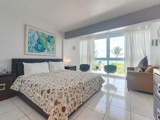Beachfront condo w/ resort amenities like a shared pool, & partial ocean views! - Miami Beach vacation rentals