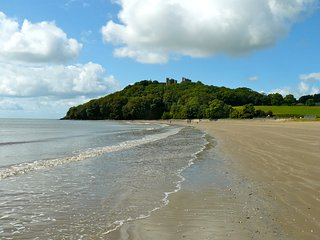 Innisfree House, Llansteffan: stunning beach house with balcony and pool - Llansteffan vacation rentals