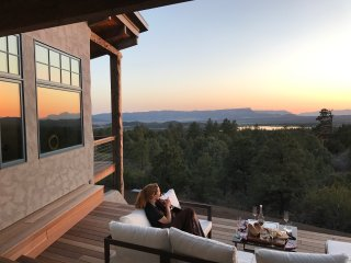 POETS VIEW LUXURY HOME w/ VIEWS, HOT TUB, GYM ~ Durango, Telluride, Mesa Verde - Mancos vacation rentals