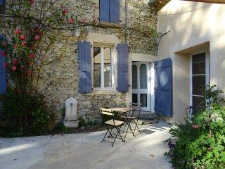 Les Beaux Chenes, old stonebuilt Mas, swimming pool,woodburner- 'St Maurice' - Pont-de-Barret vacation rentals