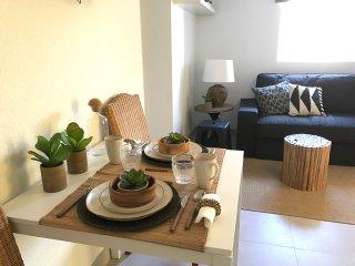 Cozy 1 bedroom Condo in Alges - Alges vacation rentals