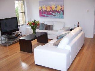 Relax in luxury, Anstead, Brisbane, Qld - Karalee vacation rentals