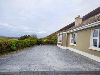 BARR VIEW, mostly ground floor, 4 BR, woodburner, fabulous views, in Glenbeigh - Glenbeigh vacation rentals