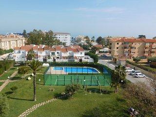 Espectacular ático con terraza vistas al mar - Els Poblets vacation rentals
